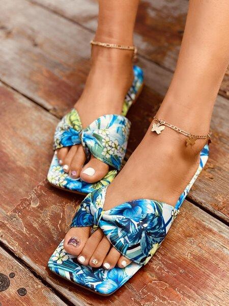 Plants Graphic Bow Decor Thong Sandals