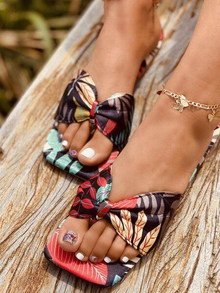Leaf Print Flat Thong Sandals