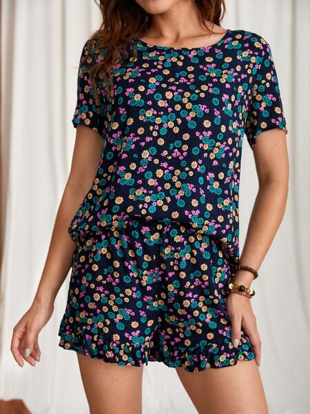 Ditsy Floral Print Blouse With Ruffle Hem Shorts