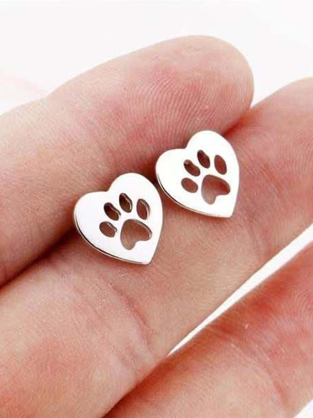 Hollow Out Heart Shaped Stud Earrings