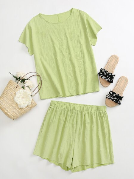 Plus Batwing Sleeve Top & Tie Front Shorts