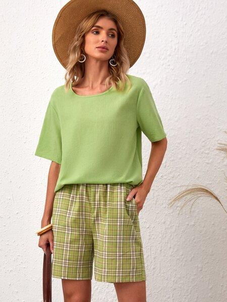 Solid Blouse With Plaid Print Slant Pocket Shorts