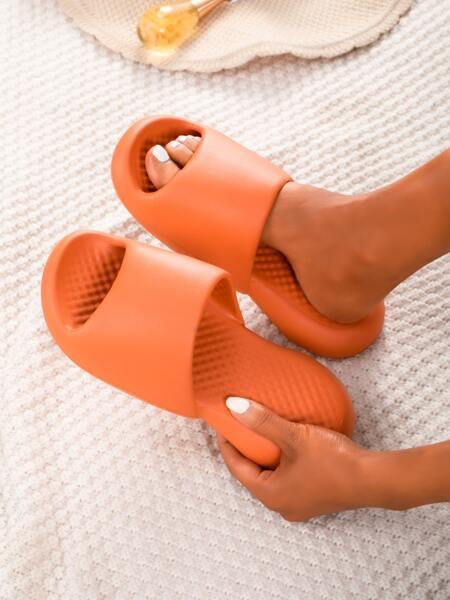 Minimalist Non-slip Slides