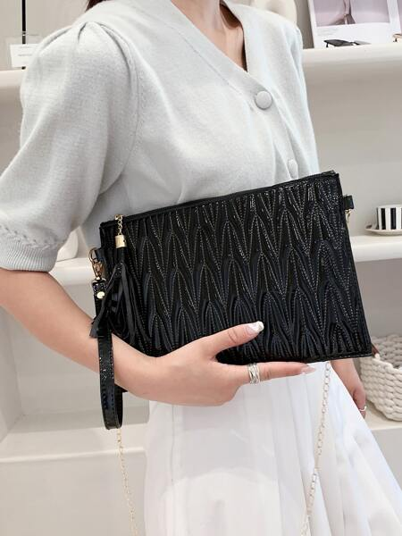 Tassel Decor Quilted Chain Clutch Bag