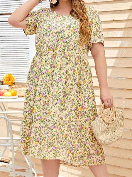 Plus Ditsy Floral Smock Dress