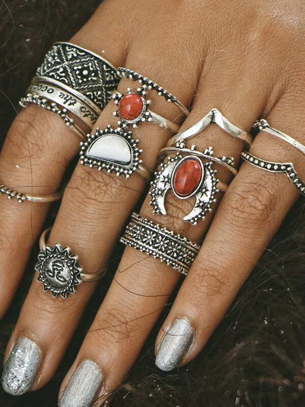 Red And White Turquoise Stone Vintage Rings Set, null
