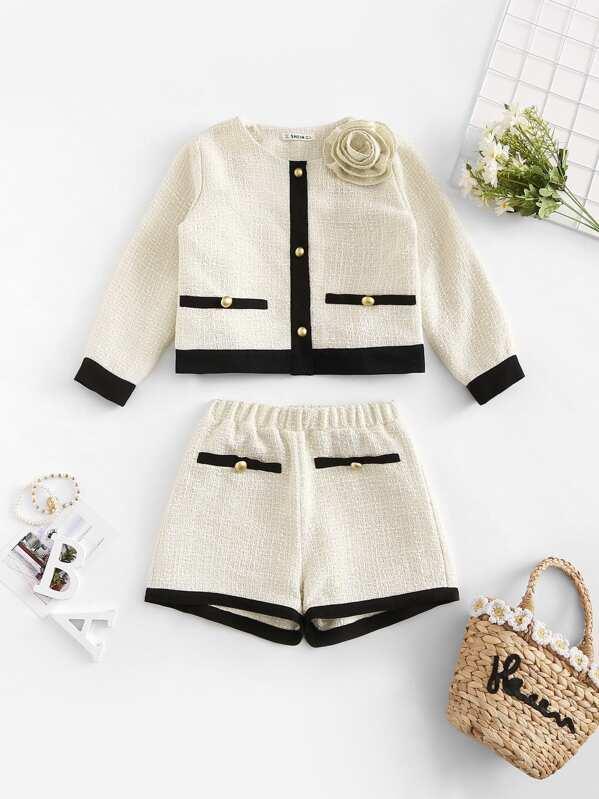 Блуза с украшением пуговицы и шорты для девочки