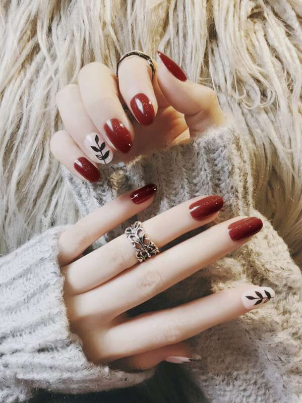 Leaf Pattern & Plain Fake Nails Set 24pcs, null