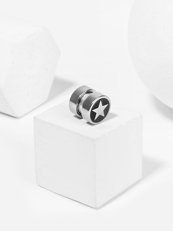 Men Star Detail Magnet Earring 1pc