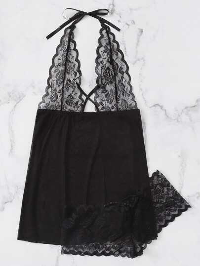 0752ee997 فستان بشريط من الدانتيل المتباين والمقلم صدفي مع لباس داخلي حجم كبير