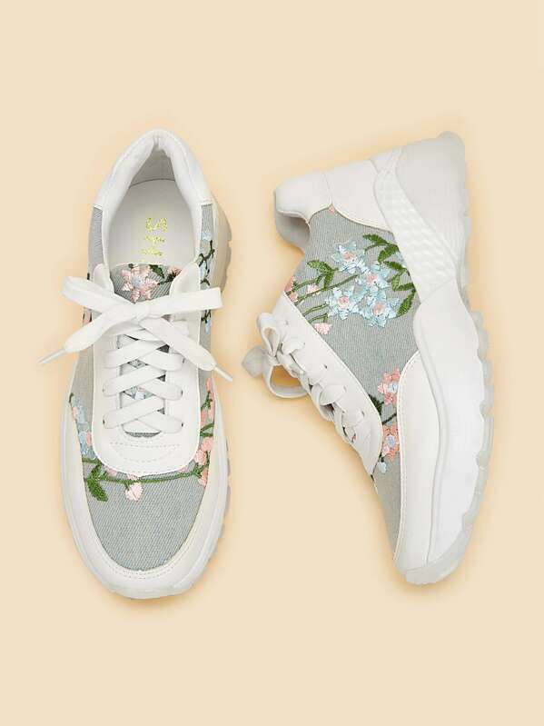 Flower Embroidery Lace-up Chunky Sneakers