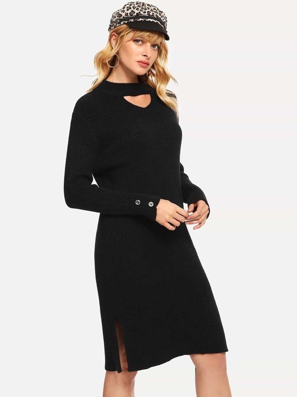 Разрезное платье-свитер с колье на шее, Masha