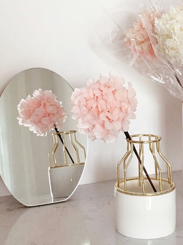 Iron Shelve Flower Vase 1pc