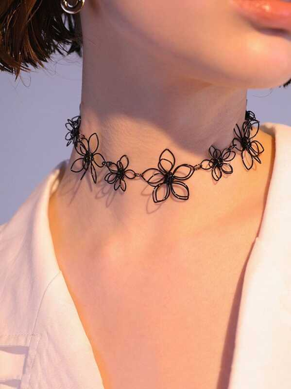 Hollow Flower Shaped Choker 1pc, null