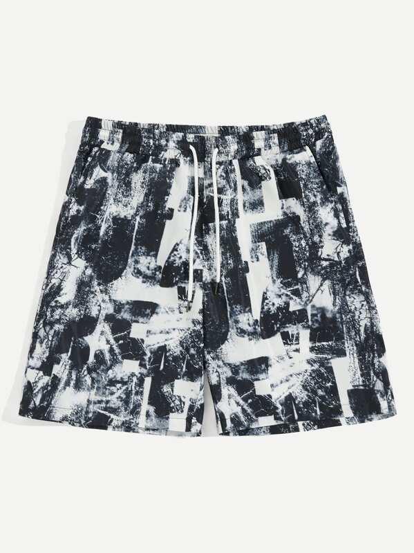 Men Drawstring Waist Distressed Letter Print Shorts
