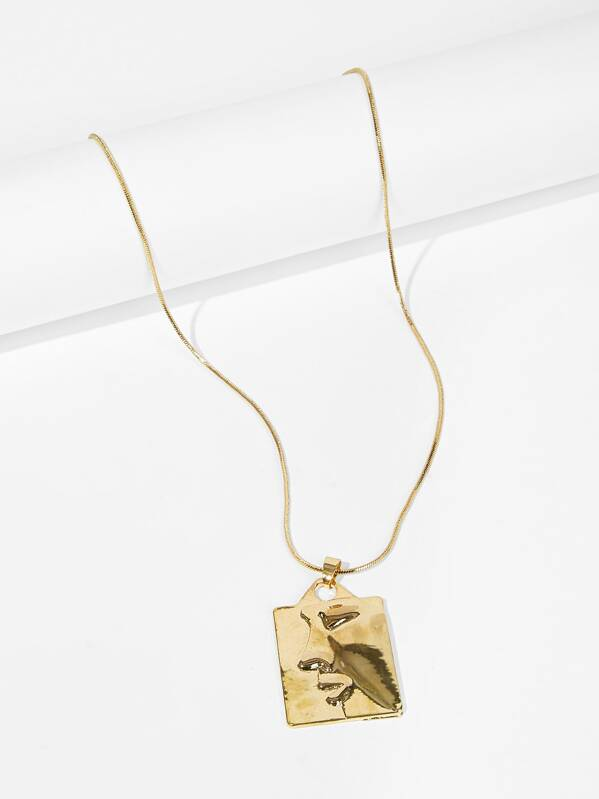 Face Engraved Square Pendant Necklace 1pc, null