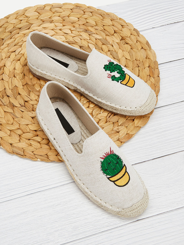 Plant Embroidery Slip-on Flats