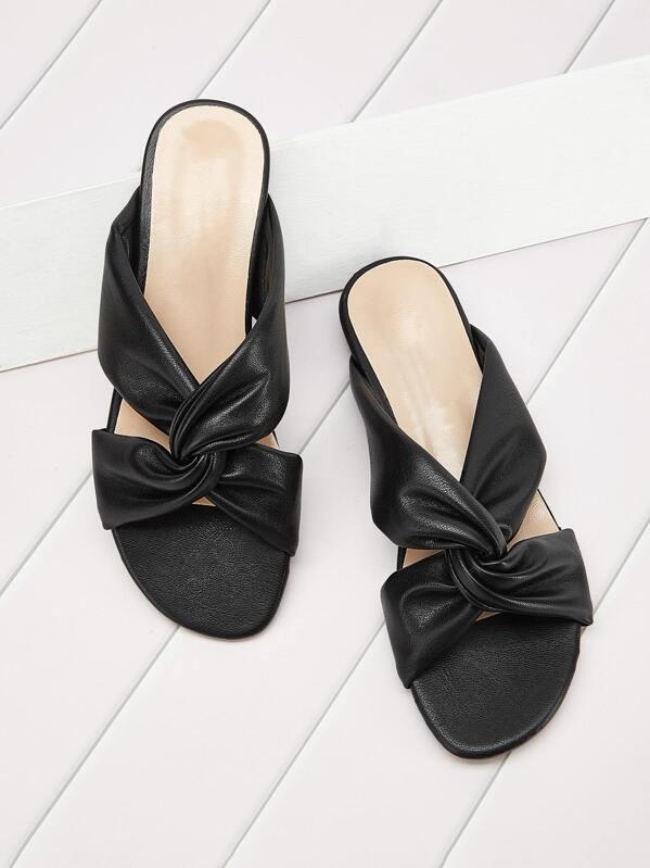 Criss Cross Decor Flat Sandals