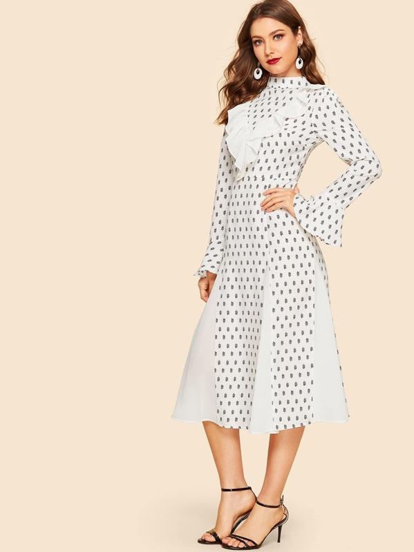 70s Ruffle Trim Leaf Print Bell Sleeve Godet Dress