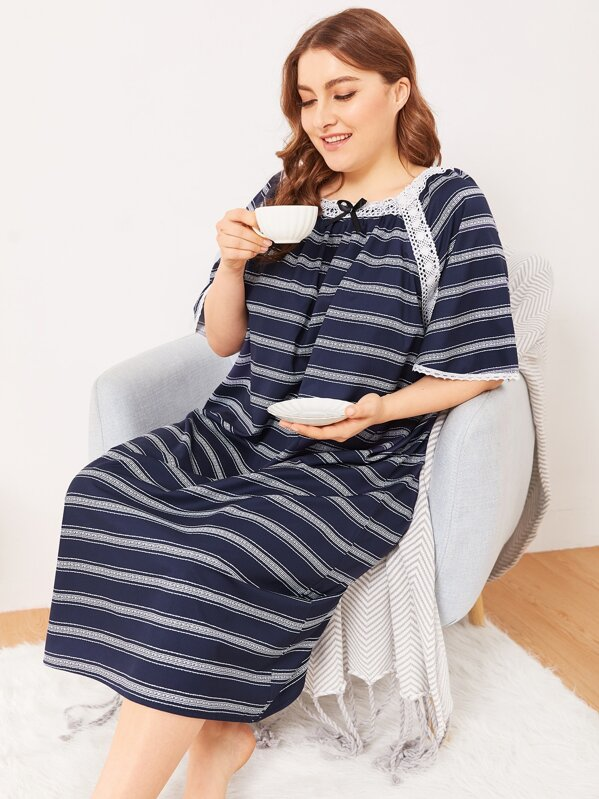 Plus Contrast Lace Bow Night Dress, Franziska