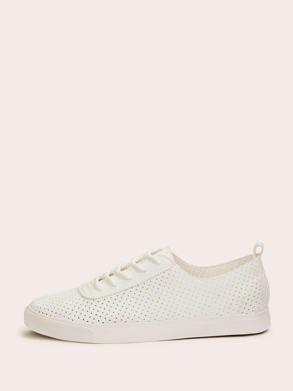 Men Scoop Cut Perforated Sneakers, null
