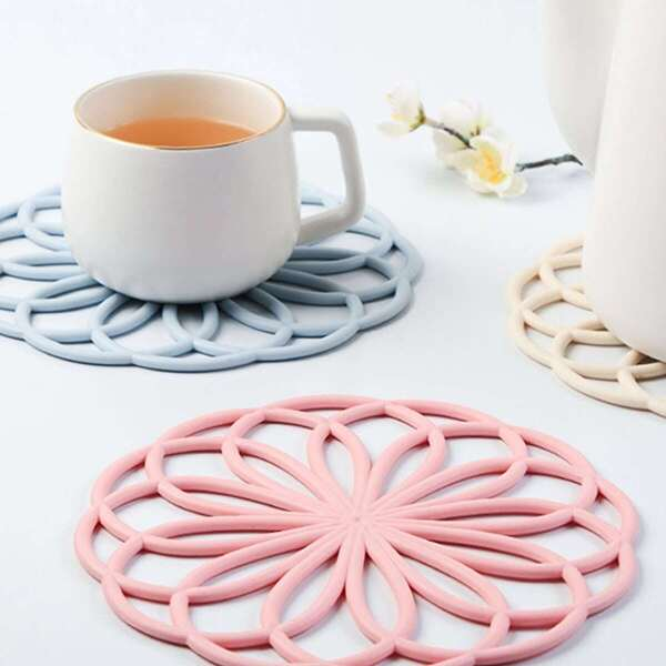 Round Hollow Out Flower Placemat 1pc