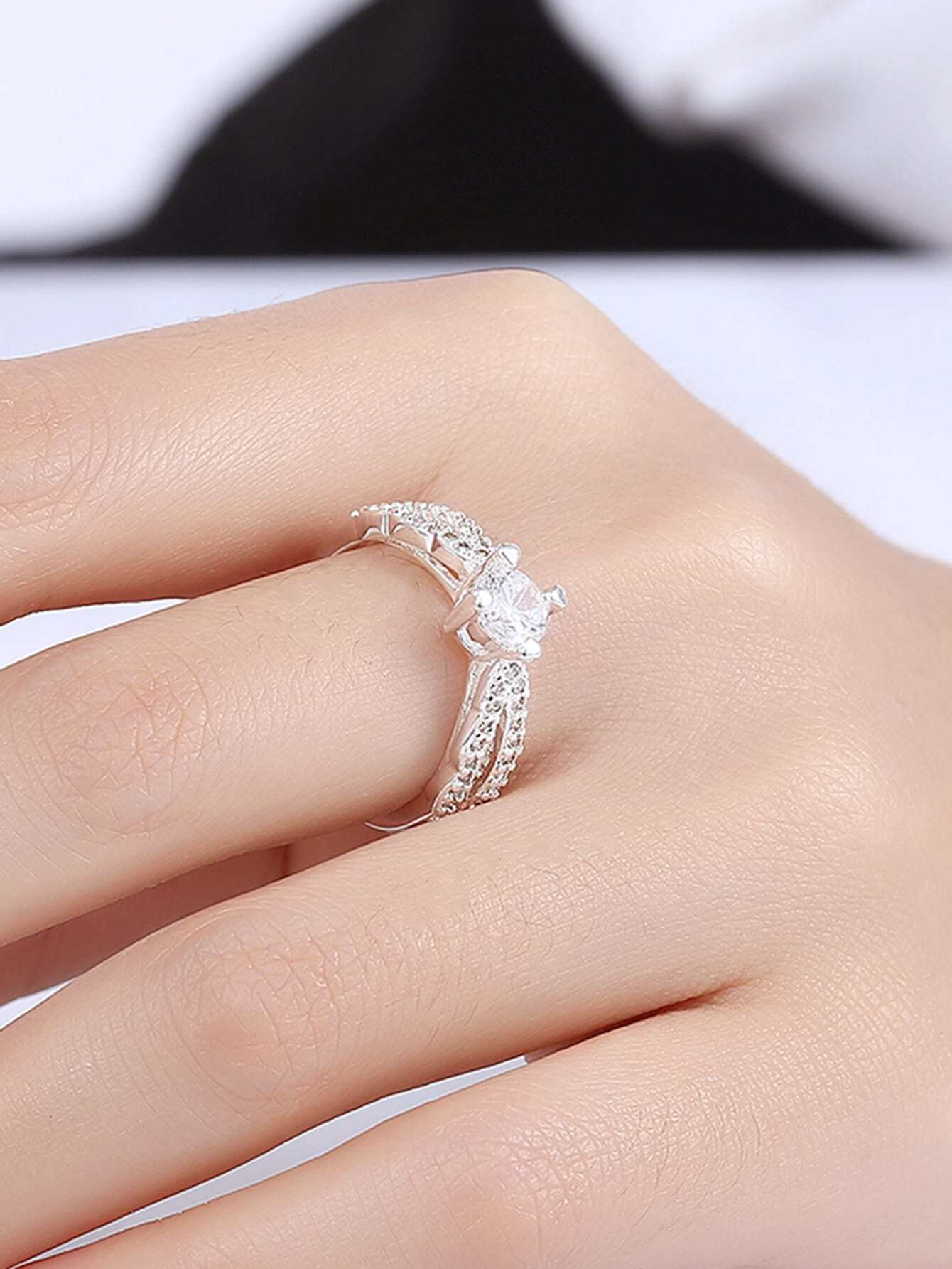 Faux Diamond Decorated Delicate Ring -SheIn(Sheinside)