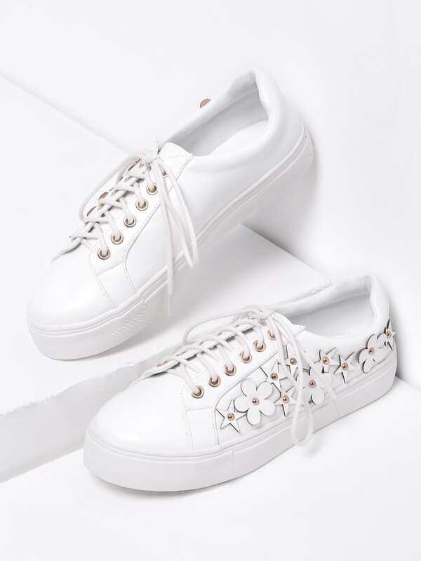 6e3fc3530 حذاء رياضي ابيض مطرز | شي إن
