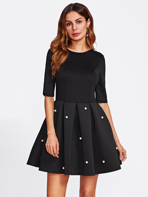 Schwarzes kleid perlen