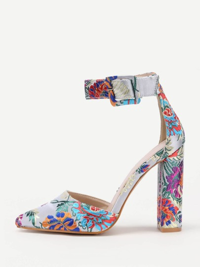Flower Embroidery Pointed Toe Block Heels