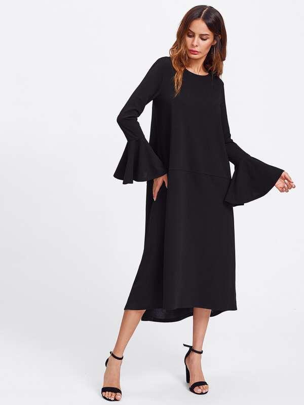 Kleid mit ausgefranster Manschette und abfallendem Saum - German ...