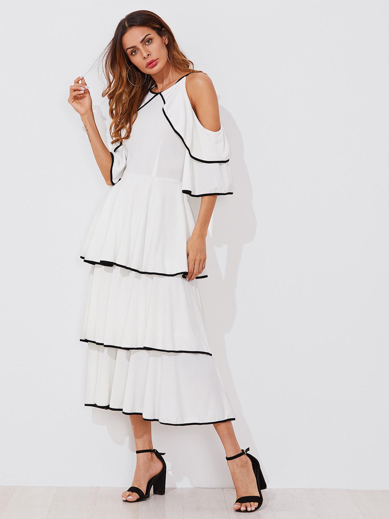1c2b669f1fb293 Schulterfreies Kleid mit schößchem Saum | ROMWE