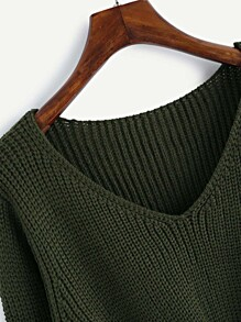 5a67154ec7 V-neckline Twist Front Chunky Sweater
