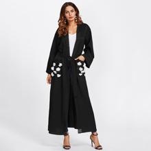 Contrast Flower Applique Pocket Belted Abaya