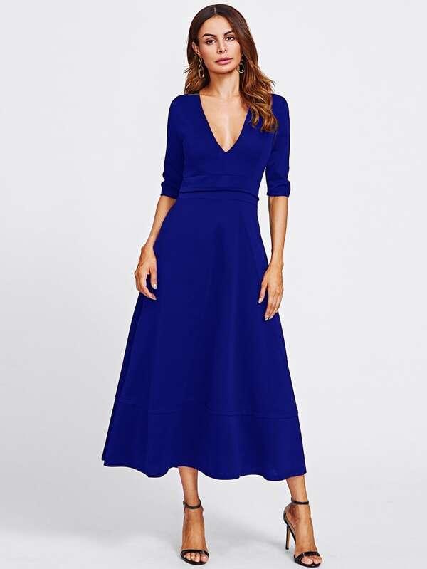 Kleid mit v ausschnitt hinten