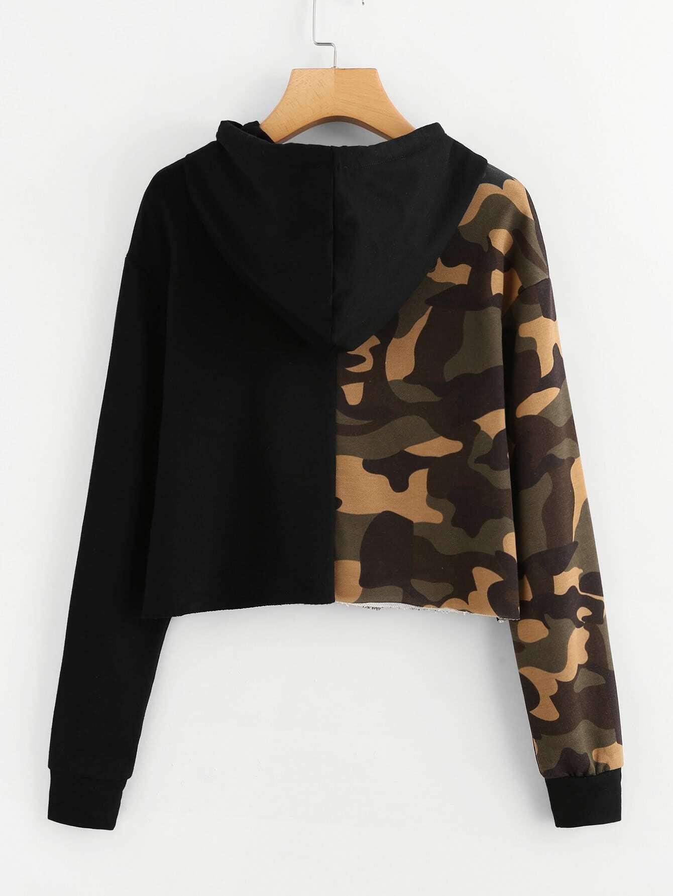 7900aa881fe83 Contrast Camo Raw Hem Crop Hoodie EmmaCloth-Women Fast Fashion Online