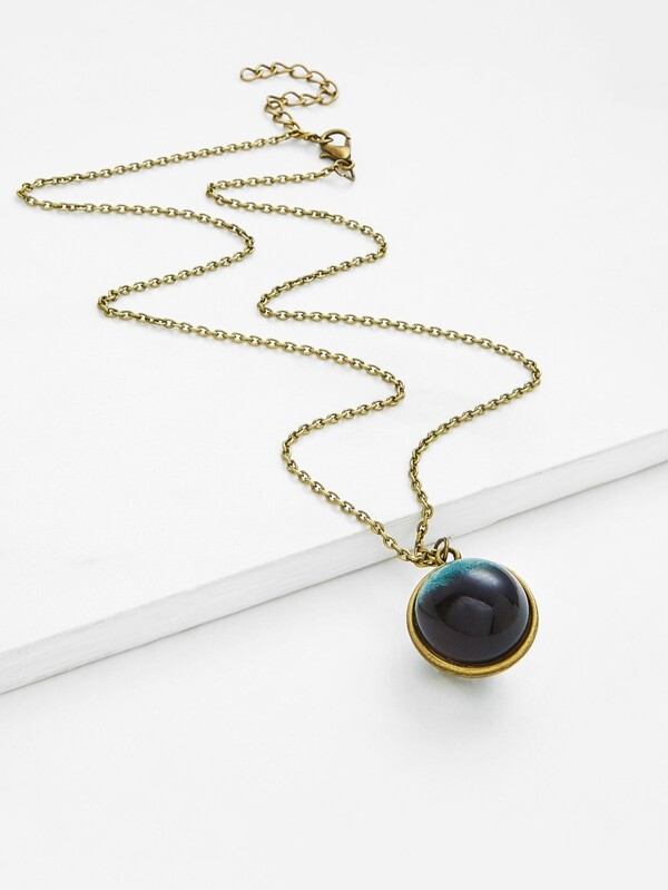 Contrast Round Pendant Chain Necklace by Sheinside