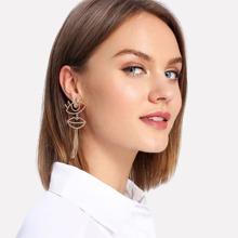 - Eye & Lips Design Drop Earrings