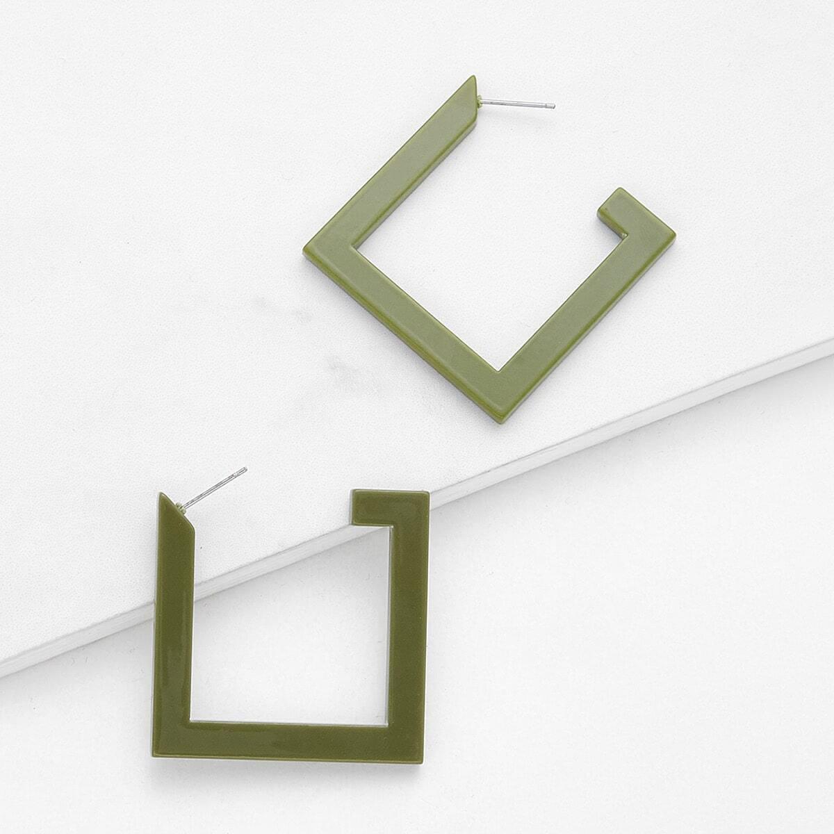 - Geometric Design Drop Earrings