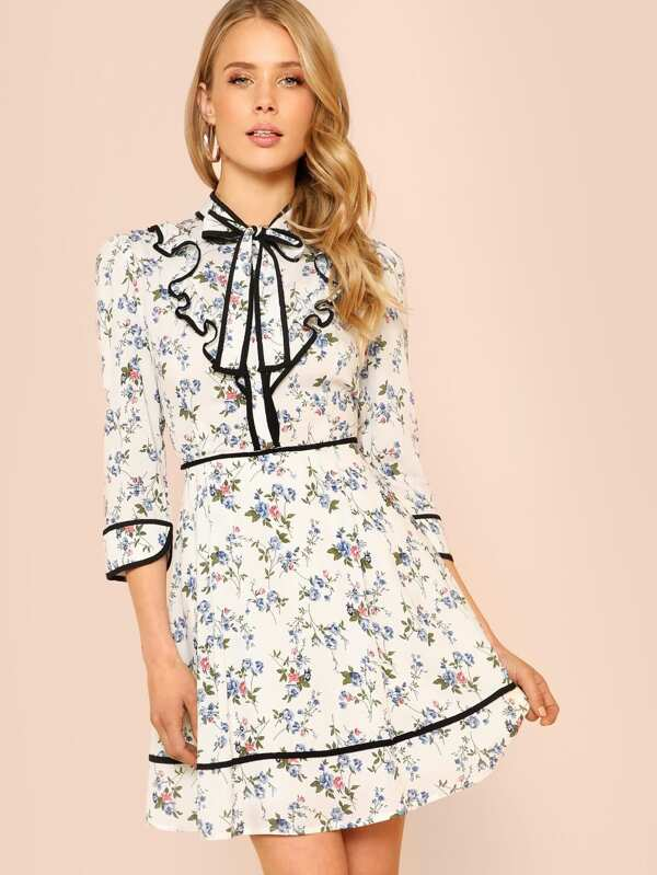 Flower Print Long Sleeve Peasant Dress With Ruffle Collar And Black
