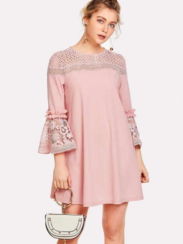 d11657b80b544 Guipure Lace Yoke Bell Sleeve Tunic Dress | SHEIN IN