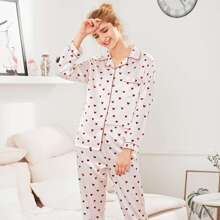 SHEIN | Contrast Binding Heart Print Pajama Set | Goxip