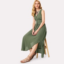 Lace Up Placket Wide Waistband Curved Dress