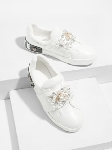 Bee Detail Faux Pearl Decor Sneakers