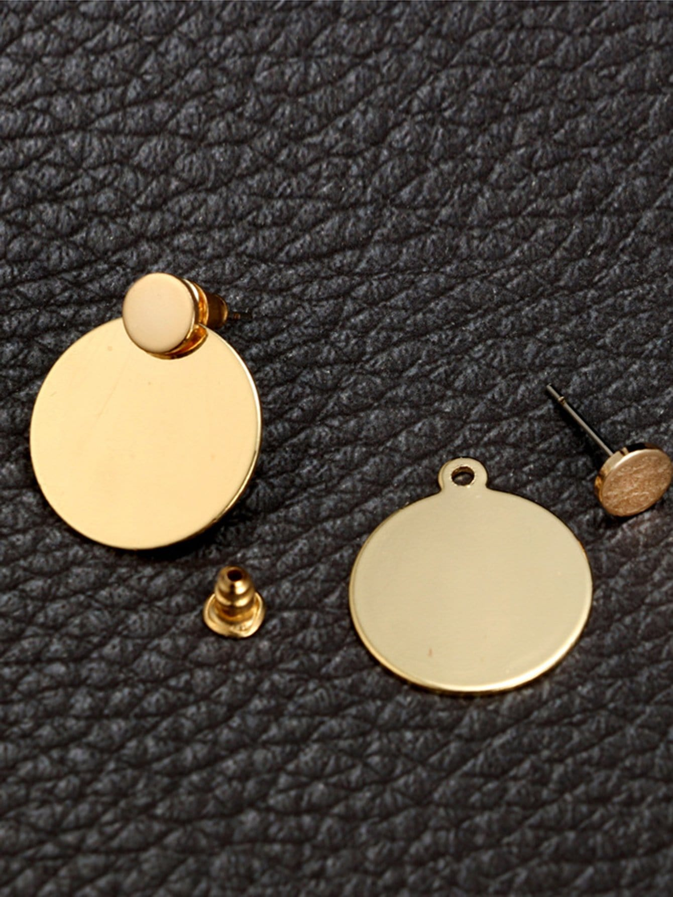 earrings disc flat cla medium stud product