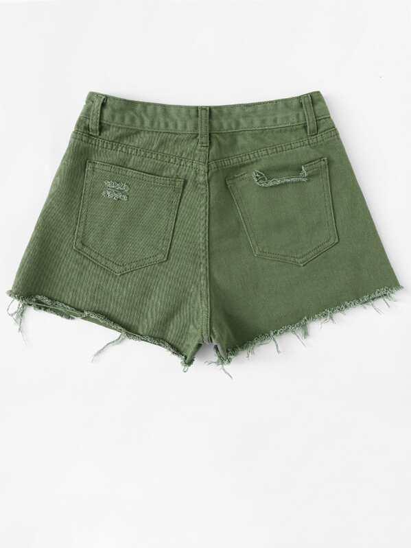 88c81cecb4 Pantalones cortos de mezclilla con costuras en dobladillo sin rematar