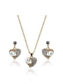 Diamond And Pearl Heart Pendant Necklace & Earrings Set