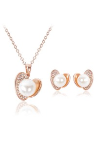 Rhinestone Insert Shell Shaped Necklace & Earrings Set
