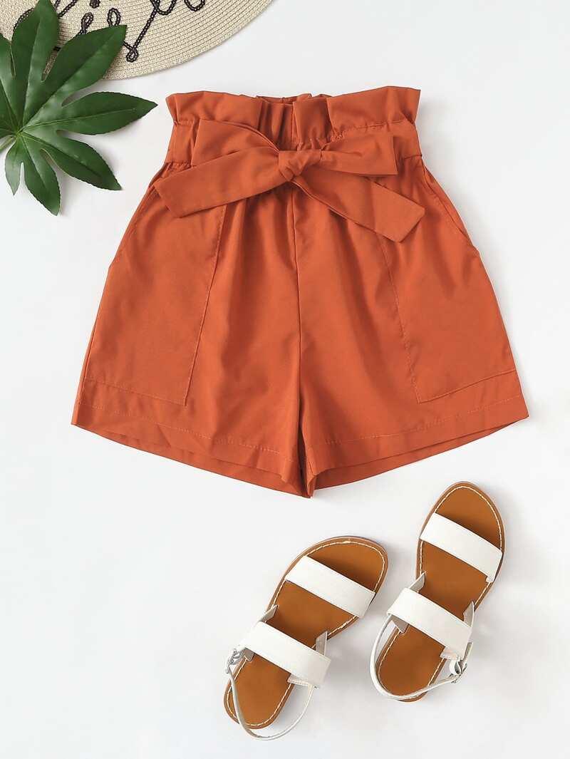 5807abbcc Shorts con cintura paper bag