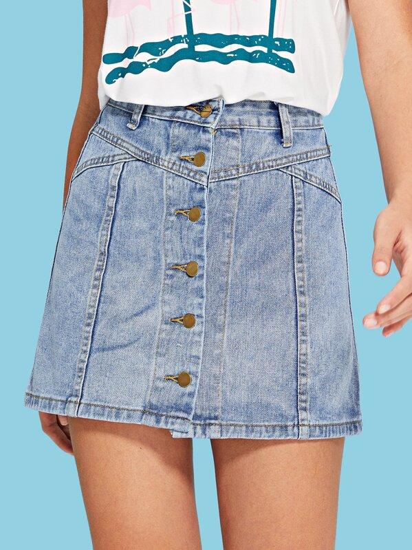 17feff82fa0fda Jupe en jean délavée avec bouton devant